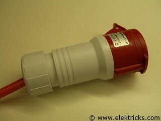 CEE 16 Stecker anschliessen 022