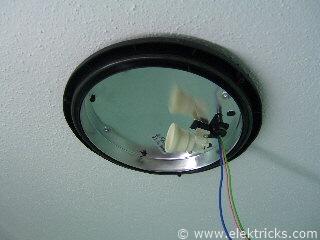 Lampe in der Dusche installieren 011