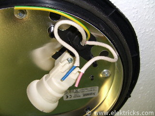 Lampe in der Dusche installieren 016
