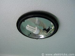 Lampe in der Dusche installieren 019