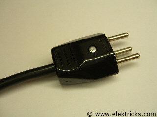 elektrostecker anschliessen 012