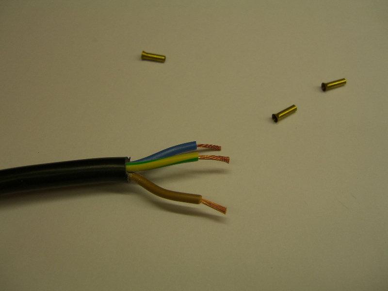 Elektrostecker anschliessen / reparieren - Elektricks.com