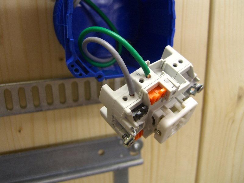 Lichtschalter anschließen - Elektricks.com